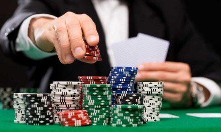 Chơi poker thì nên học luật poker đầu tiên