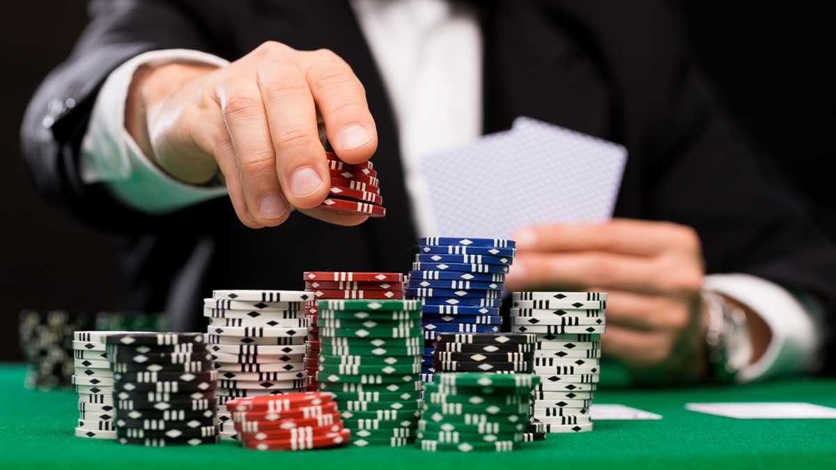 chơi poker, cách chơi poker, b bài poker, đánh bài poker, trò chơi poker, trò chơi bài poker, game bài poker, game đánh bài poker
